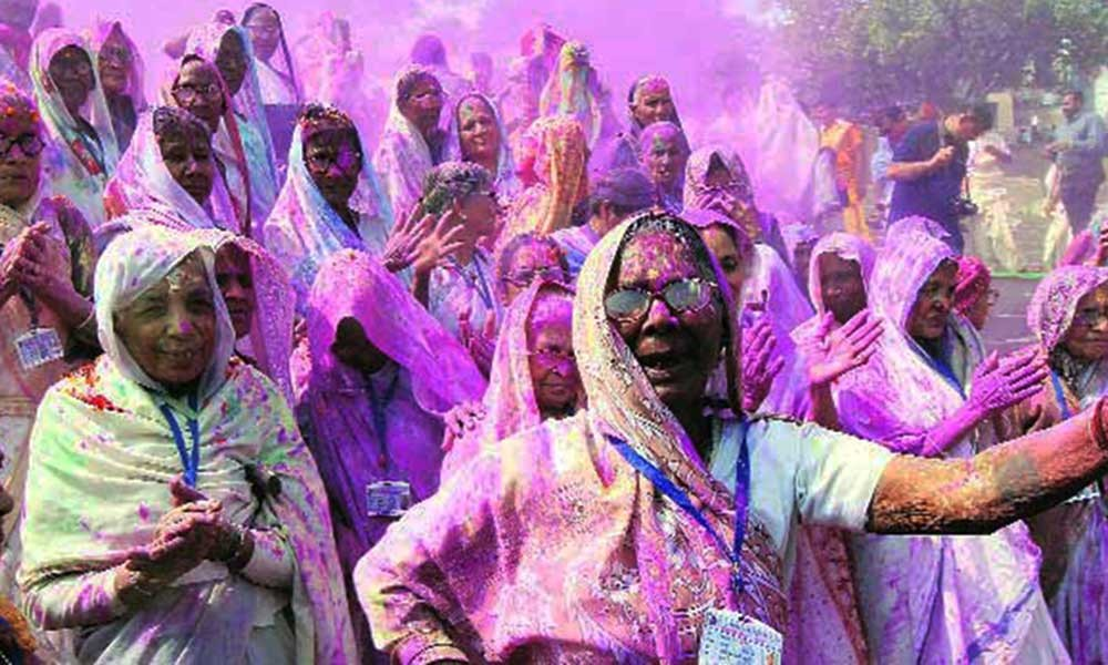 widow-holi-vrindavan